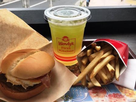 フランチャイズ 米国ハンバーガーチェーンはなぜ強いのか