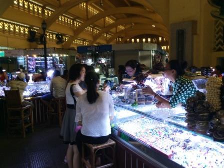 central market in Phnom Penh.JPGのサムネイル画像
