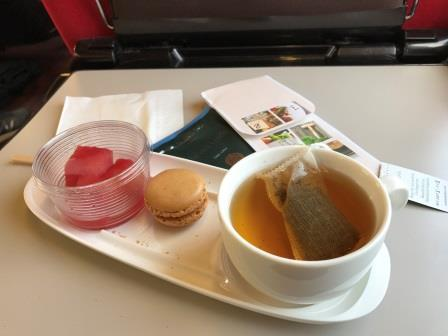 Thalys sweets&tea.JPG