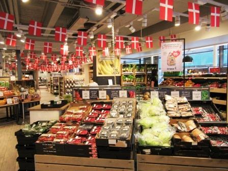 Denmark_Irma_produce section.JPG