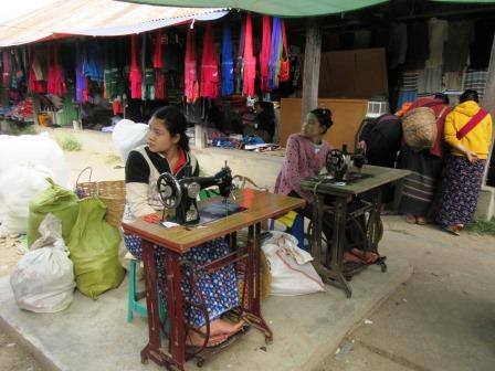 myanmar_women_sewingmachine.JPG