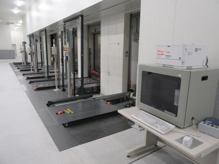 toyosu_market_elevator_refrigerator.JPG