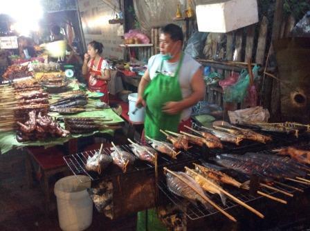 luangprabang_stall_owner.JPG