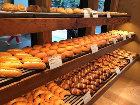 muji_ginza_bread.jpeg