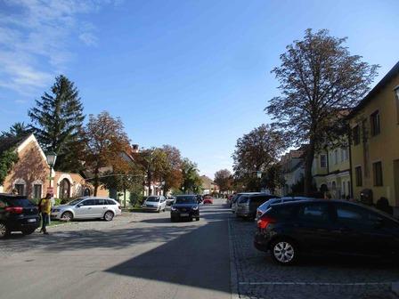 heuriger_street.jpg