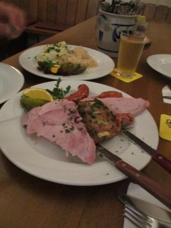 applewine_meat_saurkraut.JPG